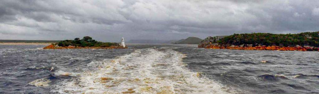tasmania, macquarie harbour, hels gates, strahan, van diemans land, gordon river, sarah island